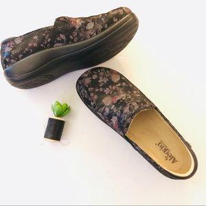 Algeria floral Leather clogs Sz 42 (11 US)